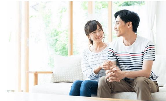 幸せな結婚生活のイメージ写真
