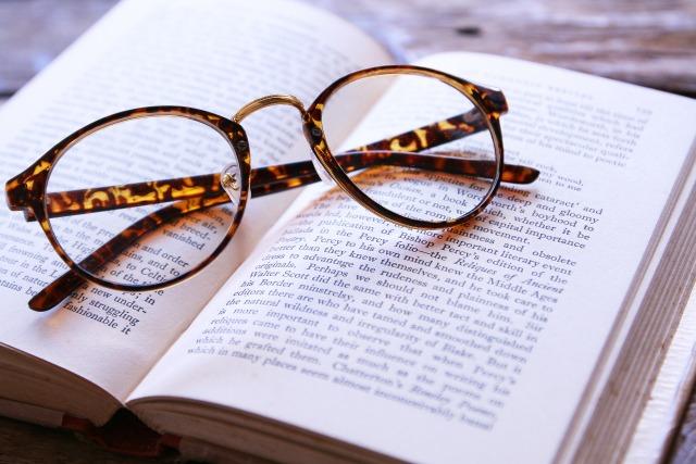 眼鏡のイメージカット